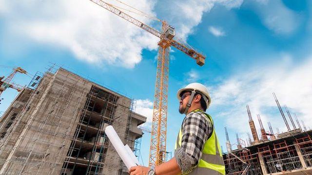 Persona en una construccion